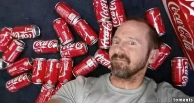他一天喝下10罐可樂,1個月之後竟然...天啊!實在不忍心看下去!!