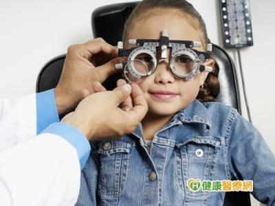 孩童出現斜弱視 應把握黃金治療期