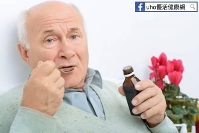 82歲老翁喝「止咳藥水」竟然差點猝死,原因太驚人了!!