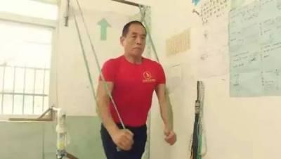 減肥100多斤,健身41年,67歲的他變身最老教練,這樣的人生燃爆了
