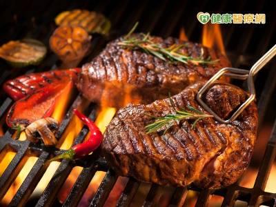 燒烤 紅肉好好吃? 當心2癌症遲早找上你