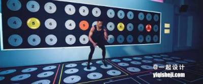 把健身房鋪滿了跳舞毯,為了得第一,所有人都在裡面瘋跑