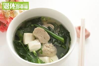 菠菜煮豆腐湯,吃了會造成腎結石?!聽聽看專業的中醫師怎麼說...
