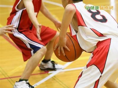 想打籃球飆高?! 小心運動傷害