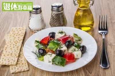 網路瘋傳:花椰菜應該改為「清蒸」料理!水煮好,還是清蒸好?營養師這樣說...