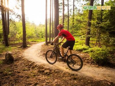 腰椎軟骨破裂導致大小便失禁 竟因騎腳踏車引起
