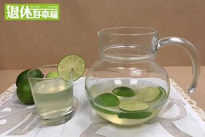 「蜂蜜檸檬水」可以消除疲勞,增加免疫力!夏天推薦2款清熱解的燥好茶,這樣泡...