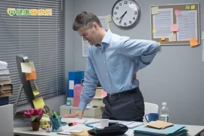 老是腰痠背痛 勤練核心肌群助改善