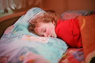 寶寶呼吸會發出「咻咻咻」的喘鳴聲,是氣喘嗎?細支氣管炎與氣喘,究竟兩者有什麼區別呢?