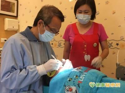 半夜喝奶狂蛀牙 全台門診鎮靜幫助治療一次到位