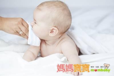 寶寶嘔吐的幾個原因 先天與後天因素各有可能