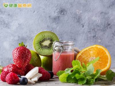 多吃蔬果有益無害? 醫:吃這些恐加劇頻尿