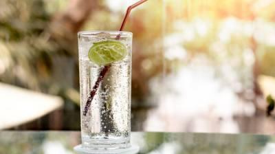 氣泡水比正常飲用水更健康或更不健康?