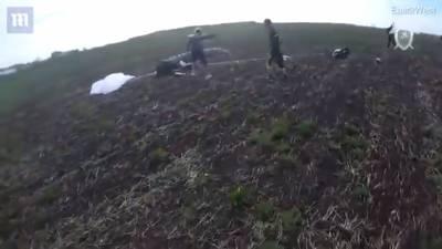 跳傘相撞!跌落1600公尺摔死 隊友攝影機拍下全程