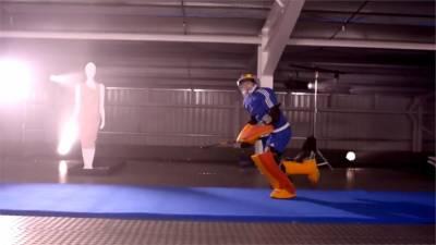英國奧運金牌女門將 挑戰擋球救「人質」