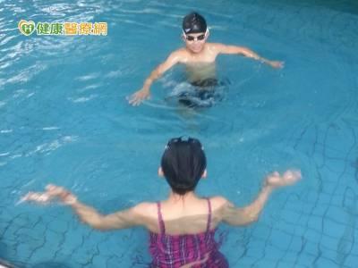 游泳池游泳 小心帶退伍軍人病回家!