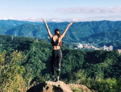 房思瑜:沒有不辛苦的運動,但別為了「瘦」讓自己不開心!學她這樣「深蹲」突破減重瓶頸...