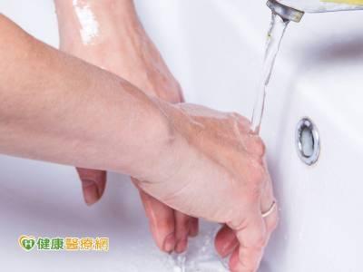 洗手洗出富貴手 戴對手套防復發