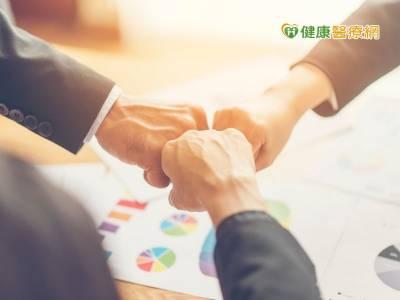 台灣美外簽下獅城MOU 促進雙方醫療合作