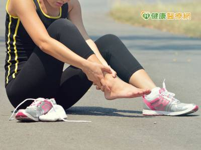 跑百米後腳痛 不是扭傷是哪出問題?