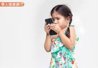 搶救兒童惡視力~充足睡眠防治近視,謹記護眼123