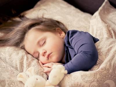 影/睡不好後遺症,肥胖 過動 失智樣樣來!兒童發育的生長激素,約有七成在睡眠中產生...