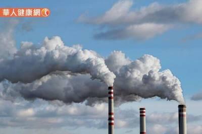 高樓就能躲過空汙?別輕忽工廠 汽機車廢氣