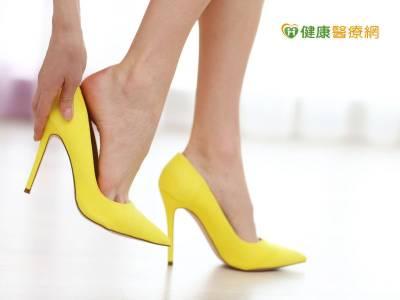 什麼! 不穿高跟鞋也可能拇趾外翻