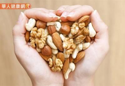 蛋白質缺乏想吃甜食 掉髮 失眠…7大徵兆快check!