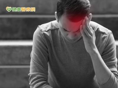 袁惟仁腦溢血昏迷 醫:7成是高血壓所致