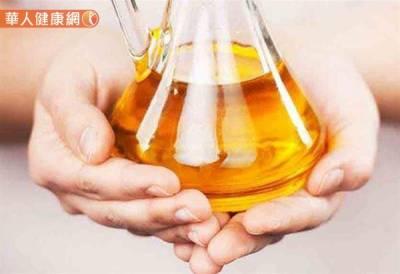 每天1匙苦茶油能治胃病?中醫:喝這茶止胃痛 消脹氣