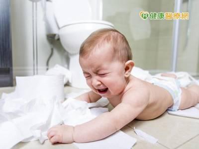 小兒罕病「無肛症」 馬龍氏順向灌腸手術治療