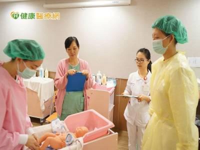 整合「產 兒科醫療群團隊」 提供產後調理服務