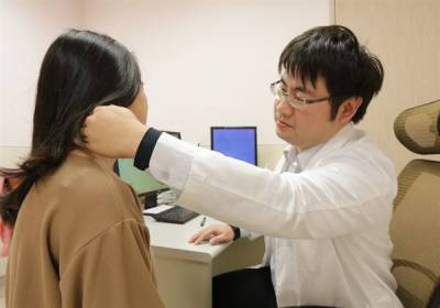 女大生臉部抽痛 冒水泡不敢見人 竟是帶狀皰疹惹禍
