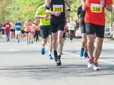 跑馬拉松膝蓋痛? 這兩個基本條件必備!