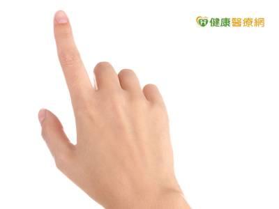 手指又卡又痛 小心是板機指惹禍