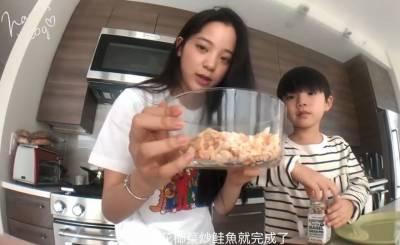 小紅書爆紅食譜!歐陽娜娜同款「花椰菜炒飯」,熱量超低不怕胖!