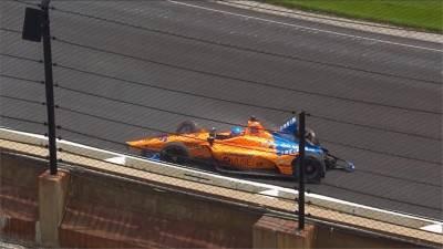 阿隆索印地500練習賽 賽道撞牆發生事故