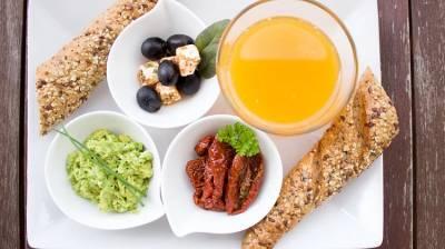 早起空腹運動,或是吃早餐再運動?