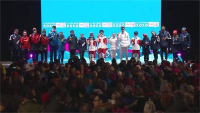 冬季青年奧運/首次站上頒獎台!台灣小將3對3冰球賽摘銀