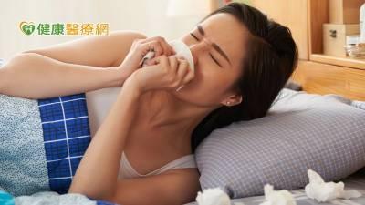 好緊張!疫期過敏性鼻炎噴嚏不停 新型鼻噴式混合藥物解圍
