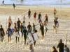 澳洲政府防疫有成 開放部分海灘但僅能衝浪 游泳