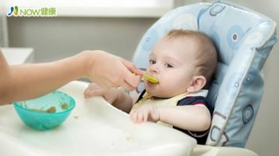 新手爸媽寶寶照護問題一籮筐 哺乳媽咪最想問這個