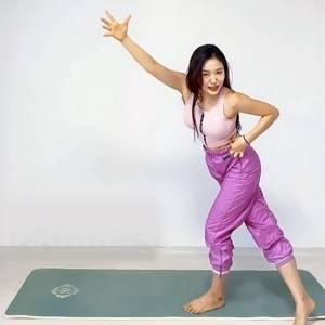網美教練三招瘦大腿!大腿內 外側肌肉伸展運動,大腿變纖細 連側腰都更緊實