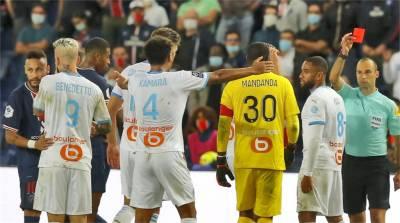 內馬爾球場打人判紅牌 控對手種族歧視