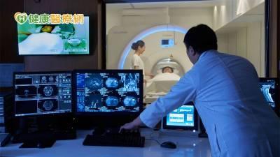 小心致命炸彈-腦動脈瘤 頭痛警訊勿輕忽,定期篩檢降風險
