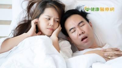 成大醫院「睡眠障礙照護諮詢中心」 輔導患者度過使用呼吸器適應期