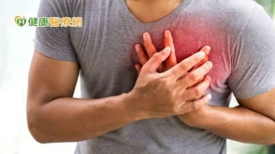 輕忽血脂當「心」要命 胸悶就醫驚見90 血管堵塞