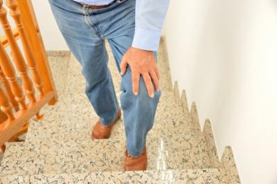 到底要不要接受膝關節手術?手術的成功率有多高?骨科醫師 運動醫學專家這樣建議!