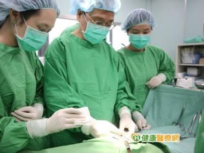 疝氣手術「曾」有一套! 海外人士慕名而來